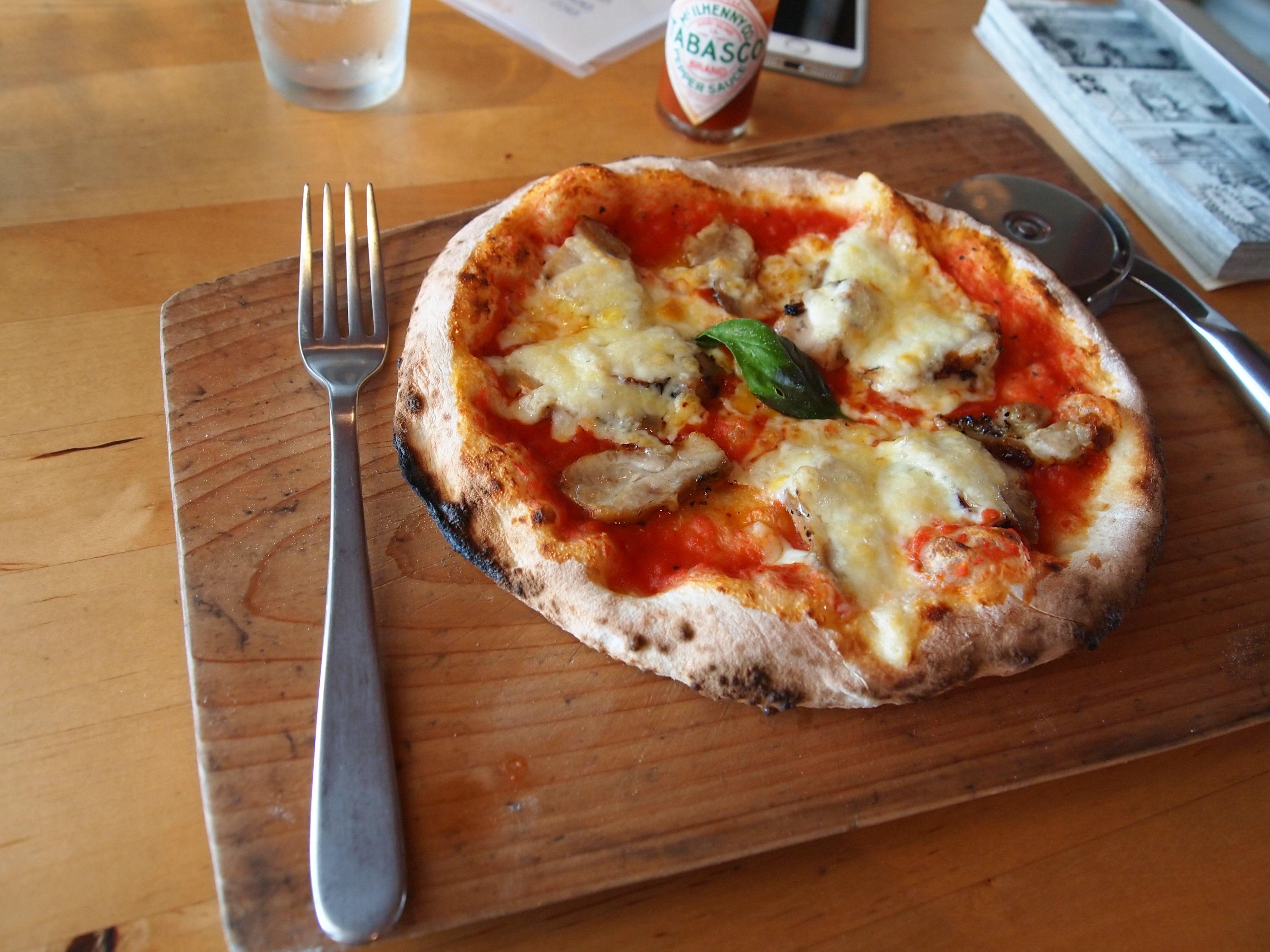 筆者はこの日はピザにしました。ピザも数種類から選べます。