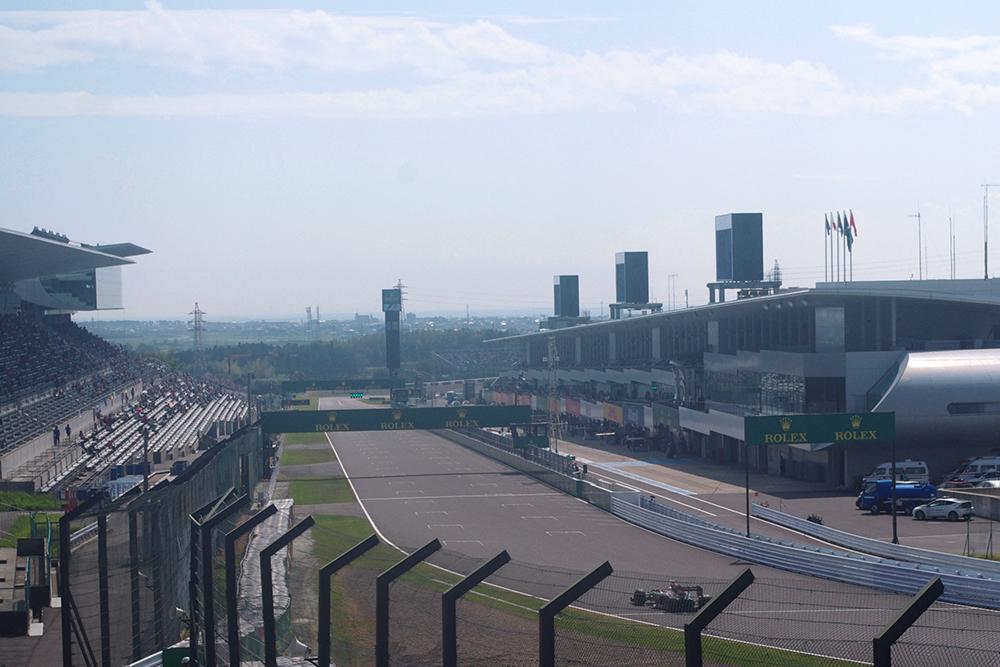 全長5807mの国際認定レーシングコース。鈴鹿8耐をはじめ、全日本選手権なども開催され、日本モータースポーツのメッカ。