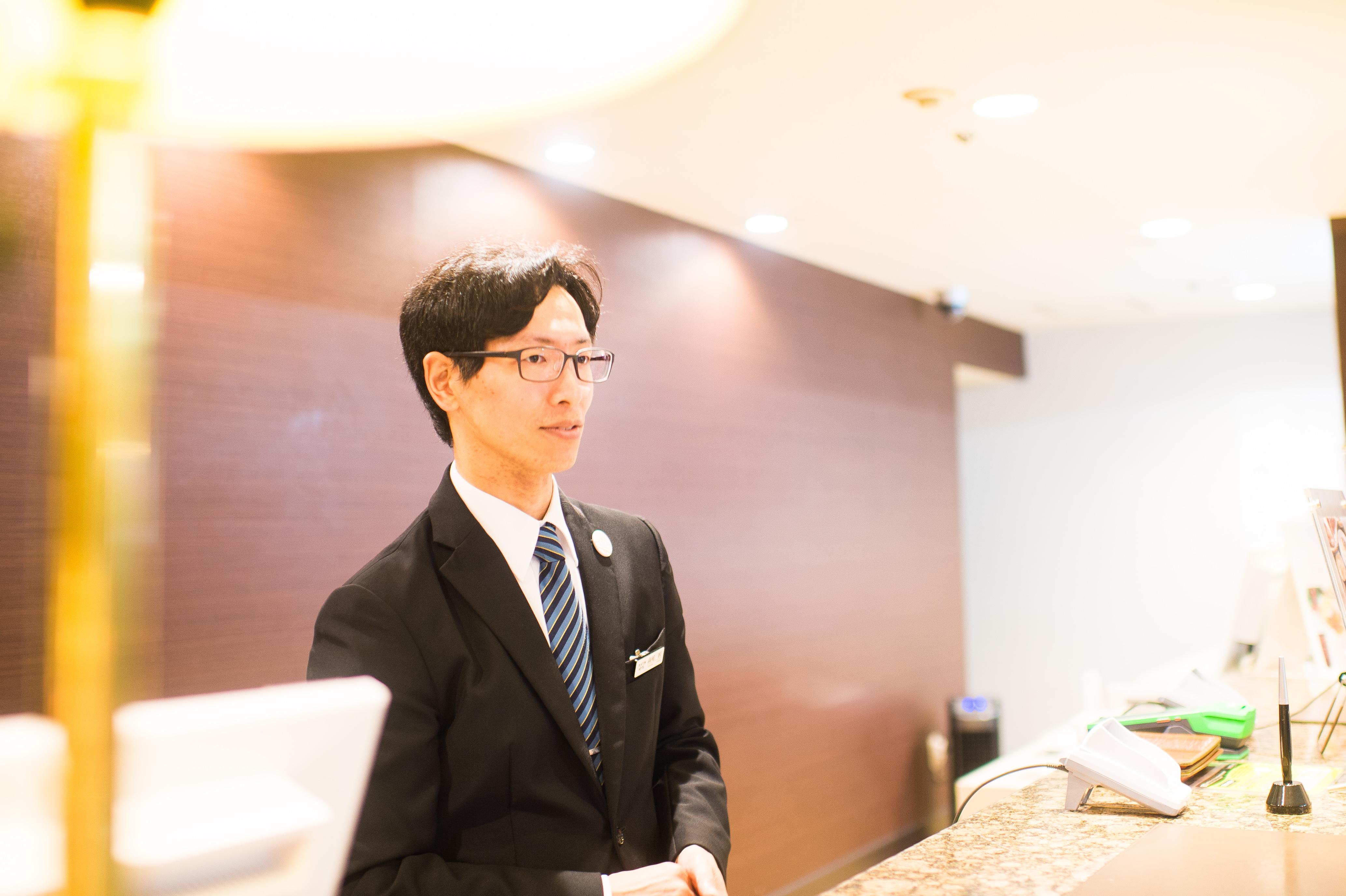 プラトンホテル四日市 フロント高尾さん