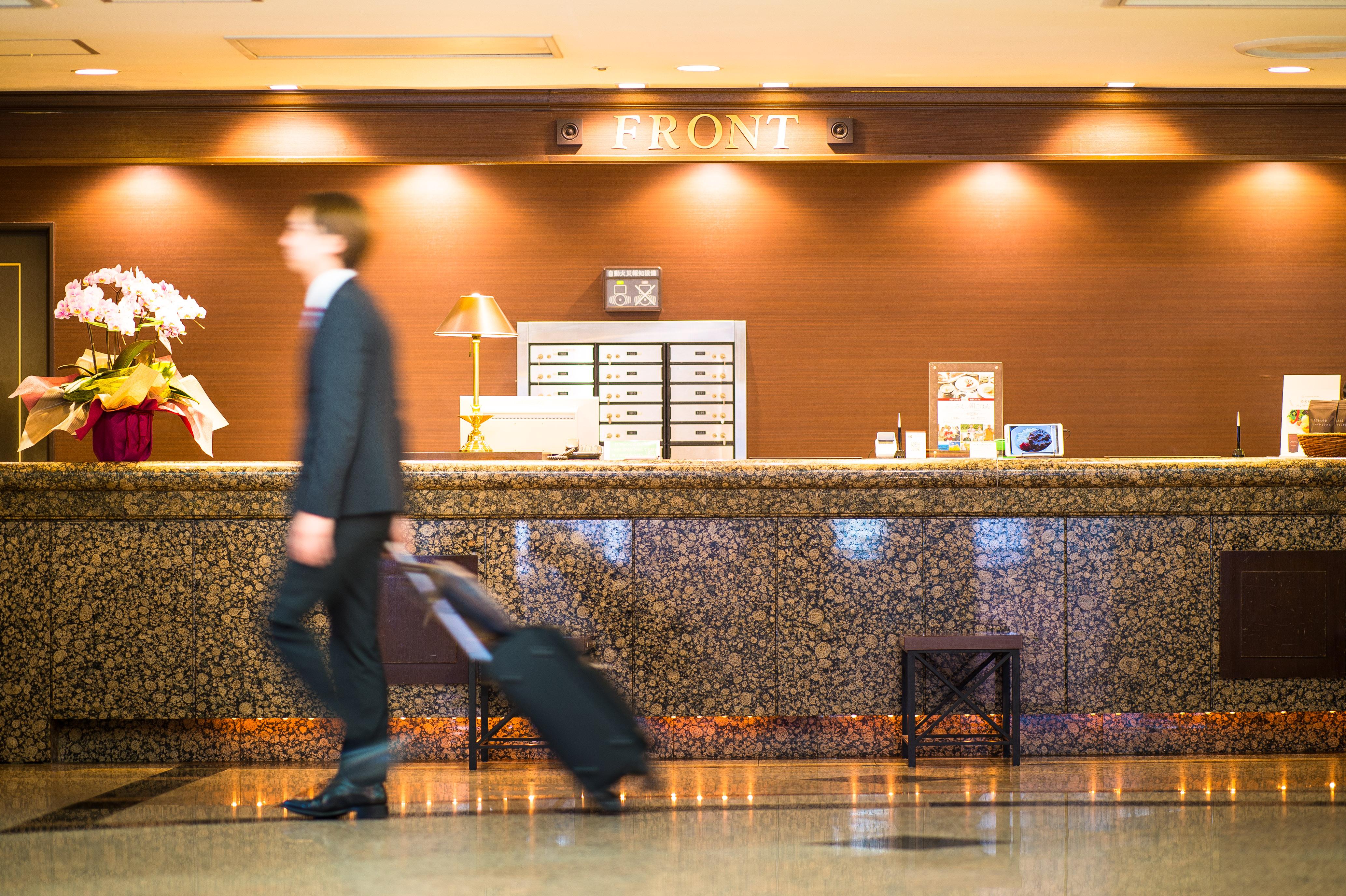 プラトンホテル四日市 フロント1