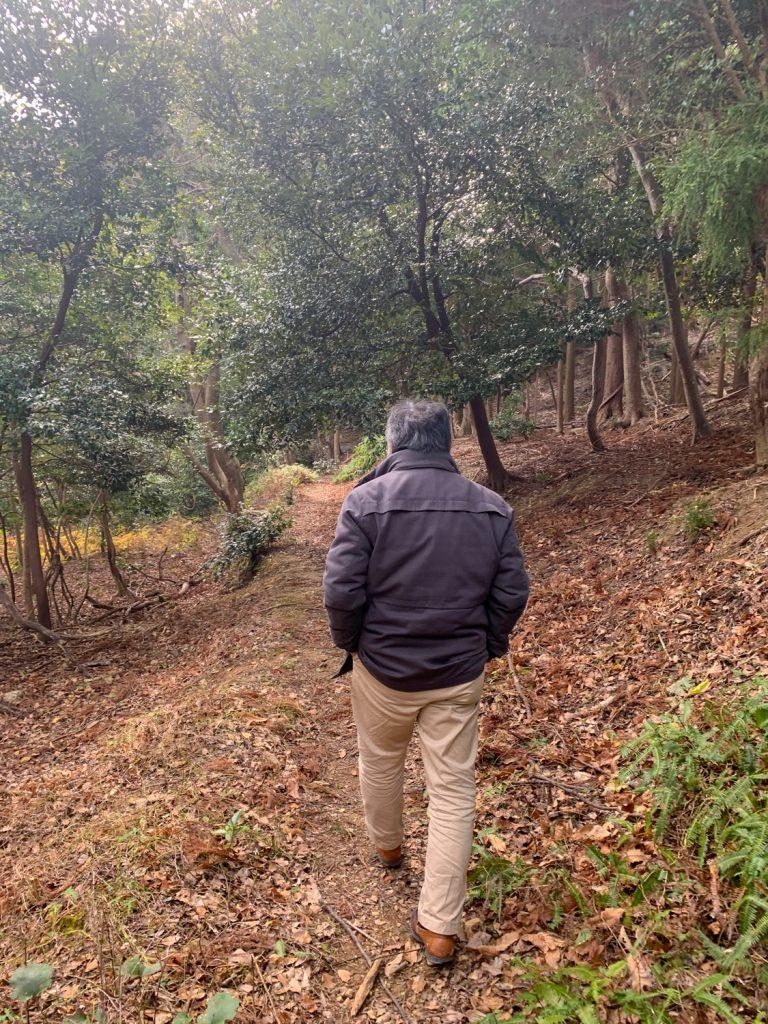 鳥羽市藤野郷で暮らす杉田さんとまち歩き 赤土山道
