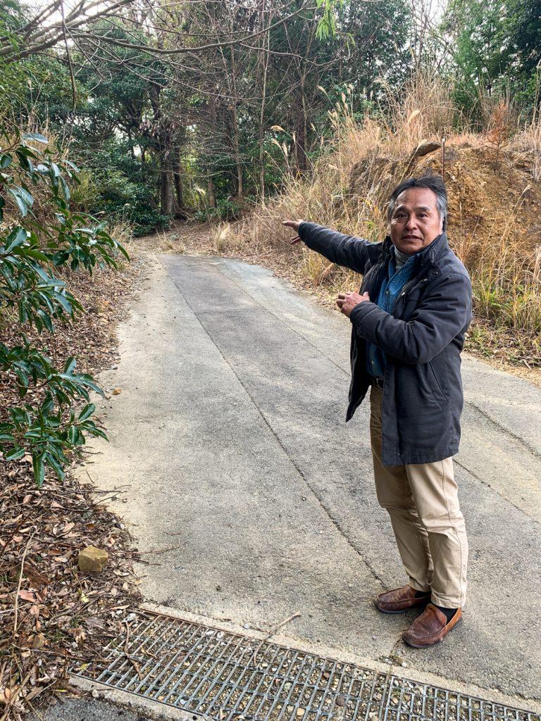 鳥羽市藤野郷で暮らす杉田さんとまち歩き 赤土山へ向かう道4