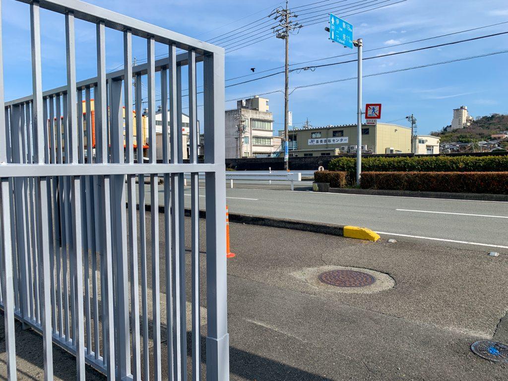 鳥羽市藤野郷で暮らす杉田さんとまち歩き 鳥羽郵便局前