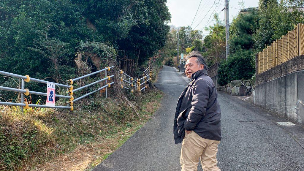 鳥羽市藤野郷で暮らす杉田さんとまち歩き 赤土山へ向かう道3