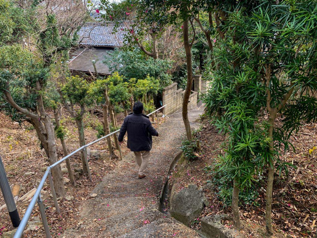 鳥羽市藤野郷で暮らす杉田さんとまち歩き 赤土山 赤崎出口